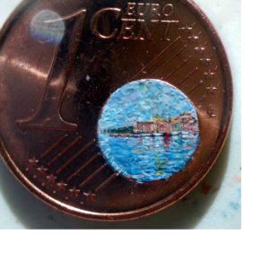 Stefano Busonero: Una marina di Porto Santo Stefano dipinta sul globo terracqueo di un centesimo di euro