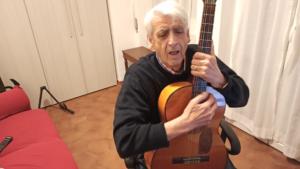 Cantare con la chitarra: accordi canzoni famose