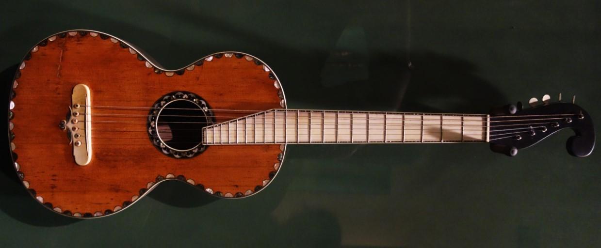 Una delle chitarre di Martin in stile Staufer